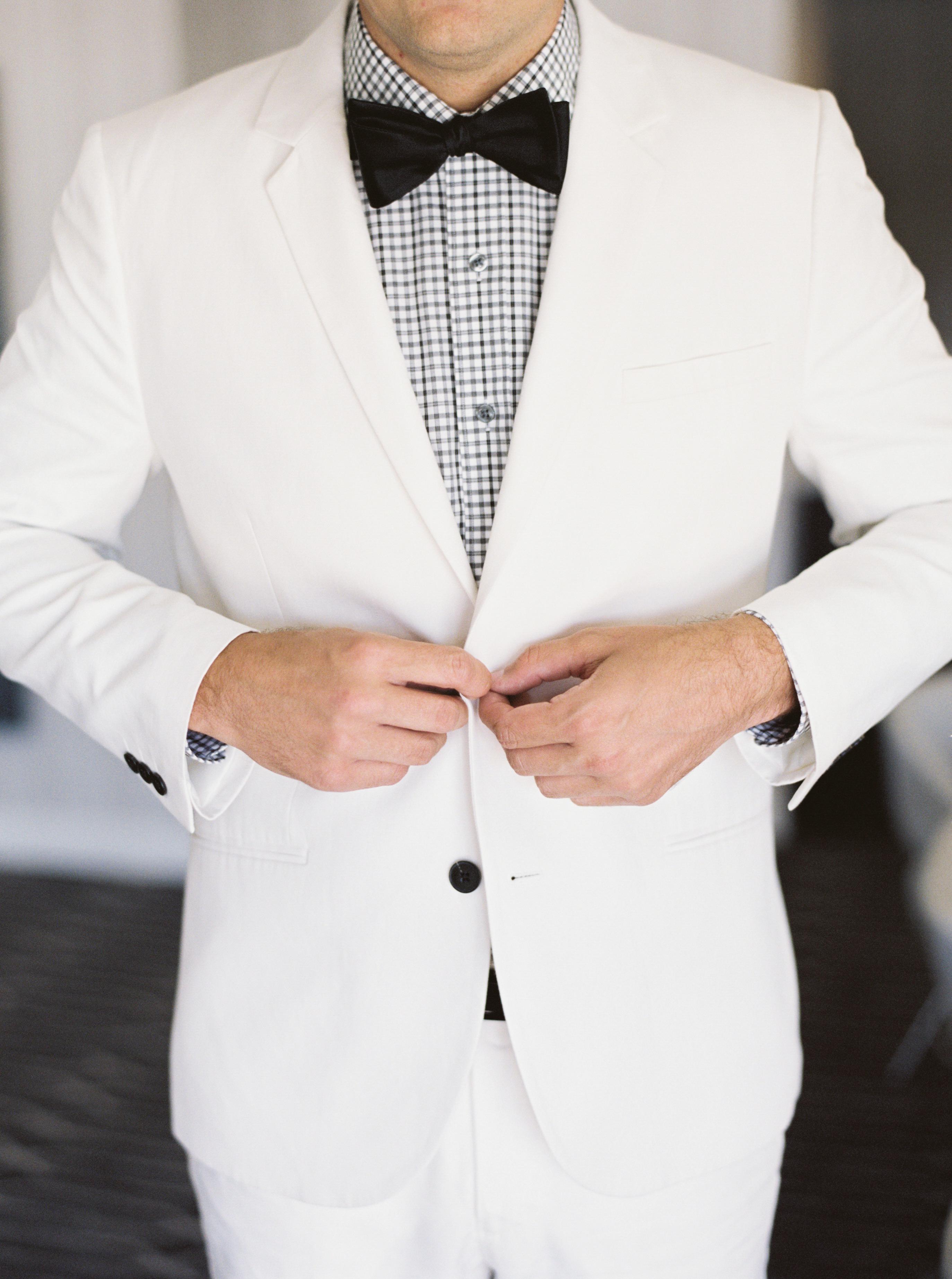 grooms tux, white tuxedo