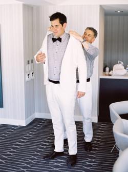 wedding prep, groom getting ready