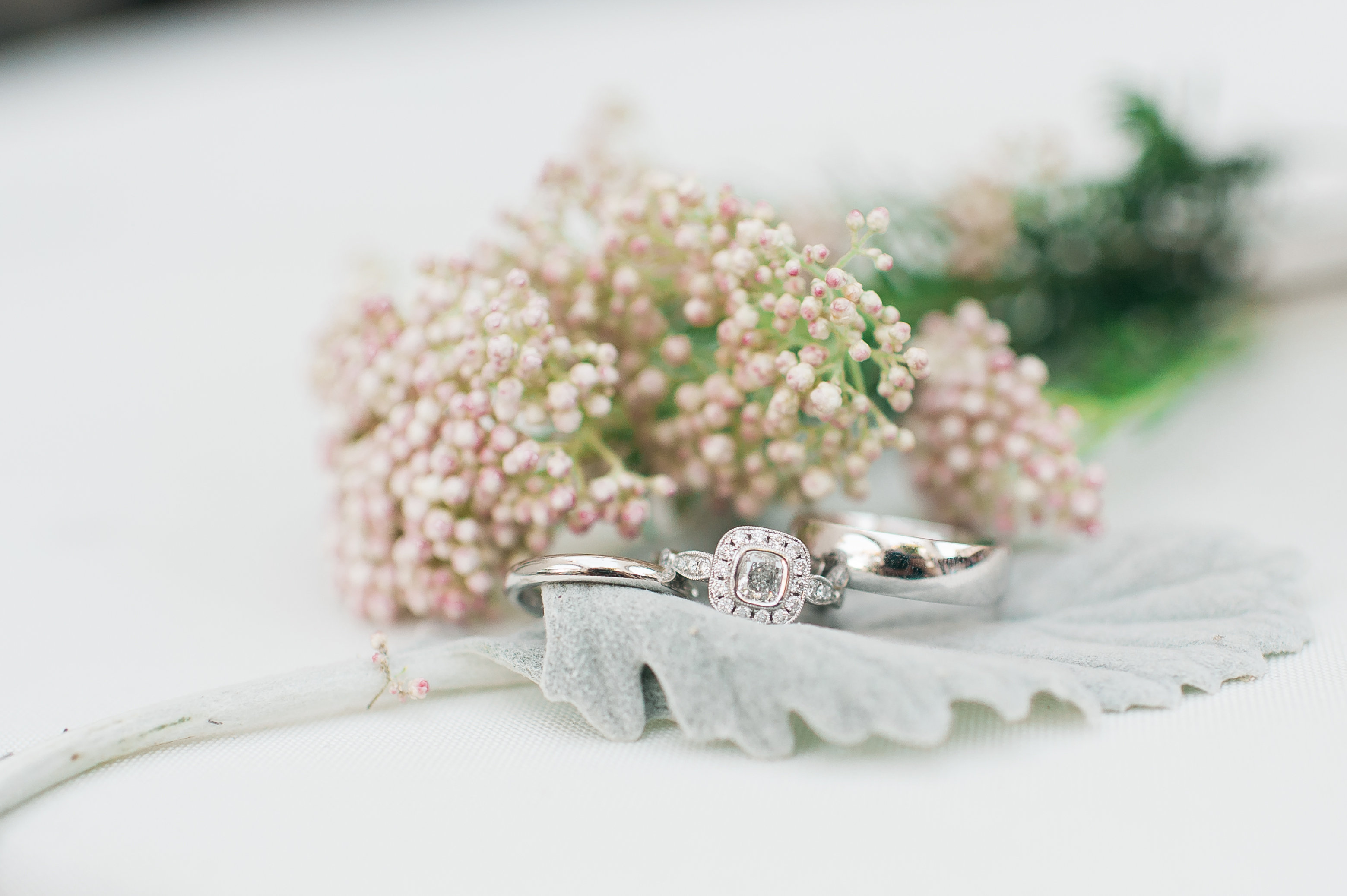 Wedding rings, floral