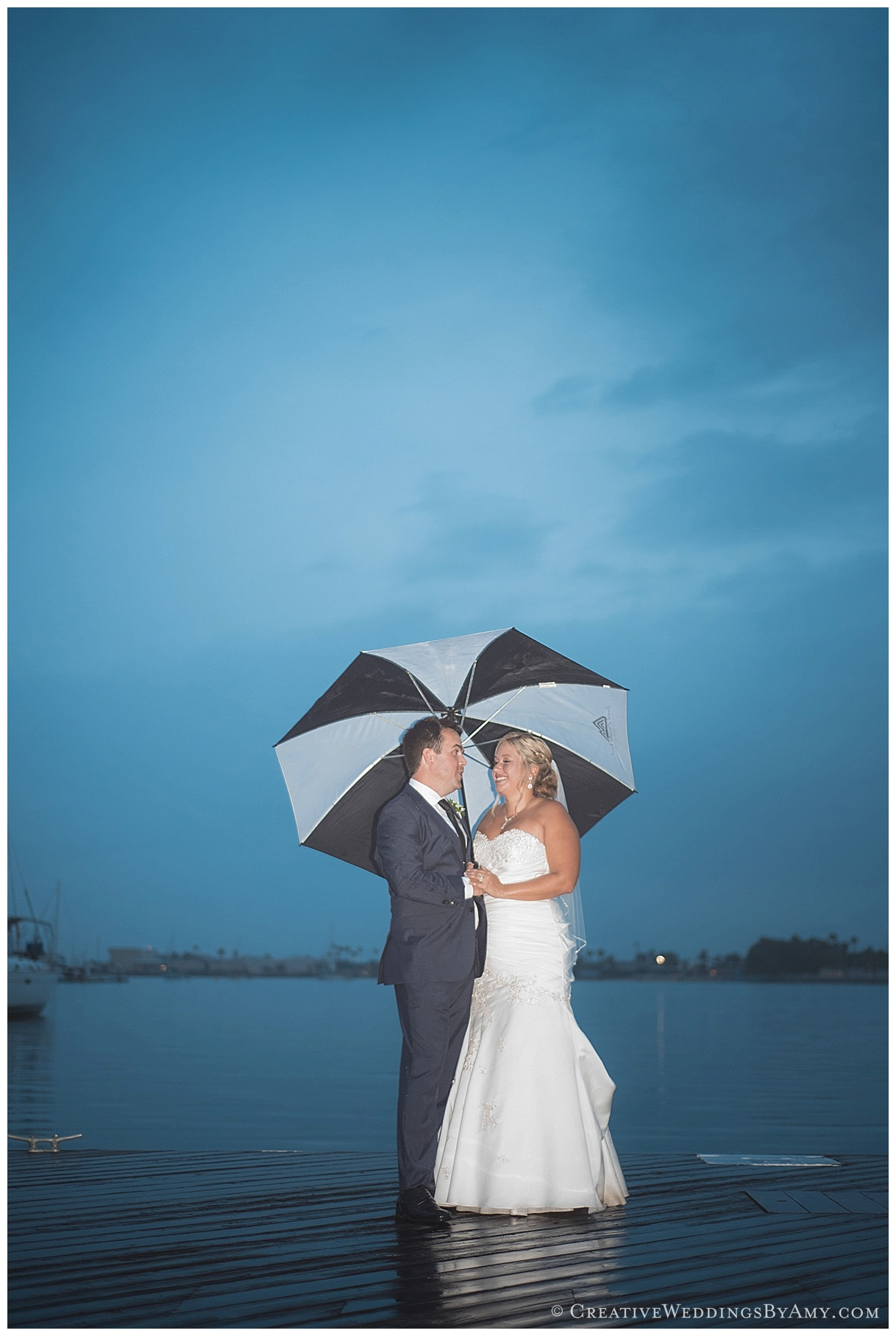 Evening dark sky, coronado wedding