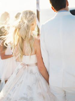 Wedding hair, wedding dress
