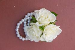 Wedding details, pearls