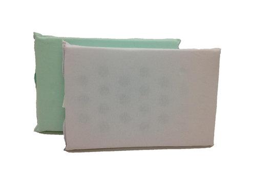 Travesseiro de espuma com furos
