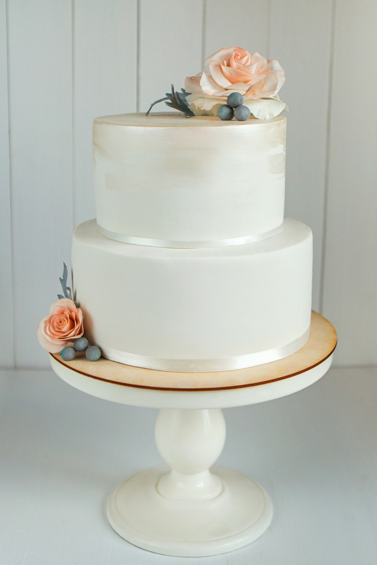 Elegant small wedding cake - Our Italian Fairytale