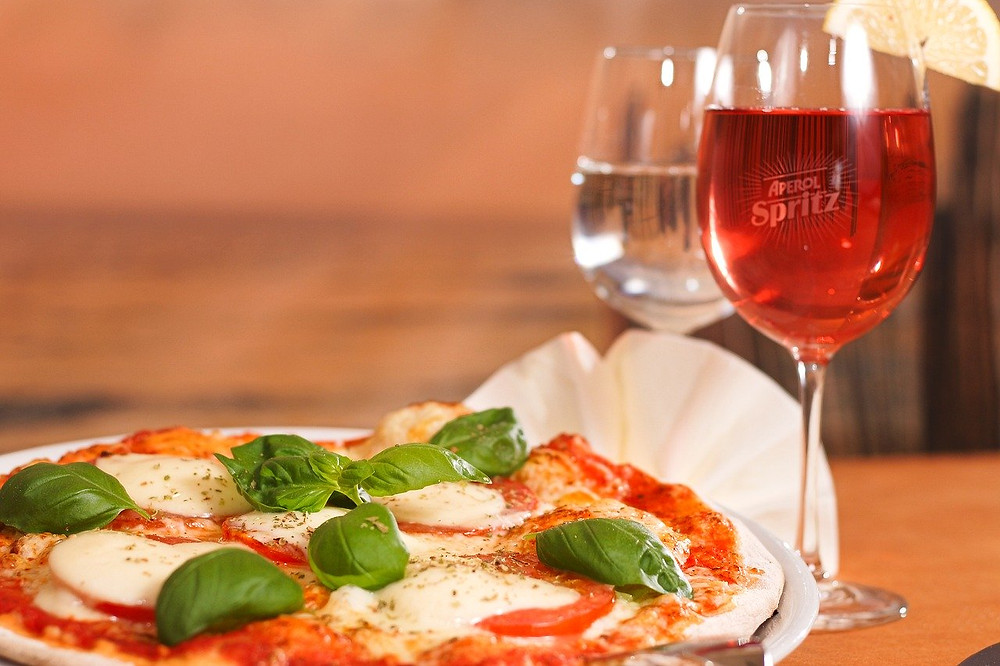 Pizza e Spritz is the best way to realax while you reschedule your wedding in Italy amid Coronavirus