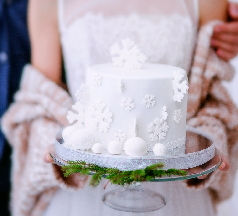 Beautiful Winter Wedding Cake - Our Italian Fairytale - Best Italy Destination Wedding Planner