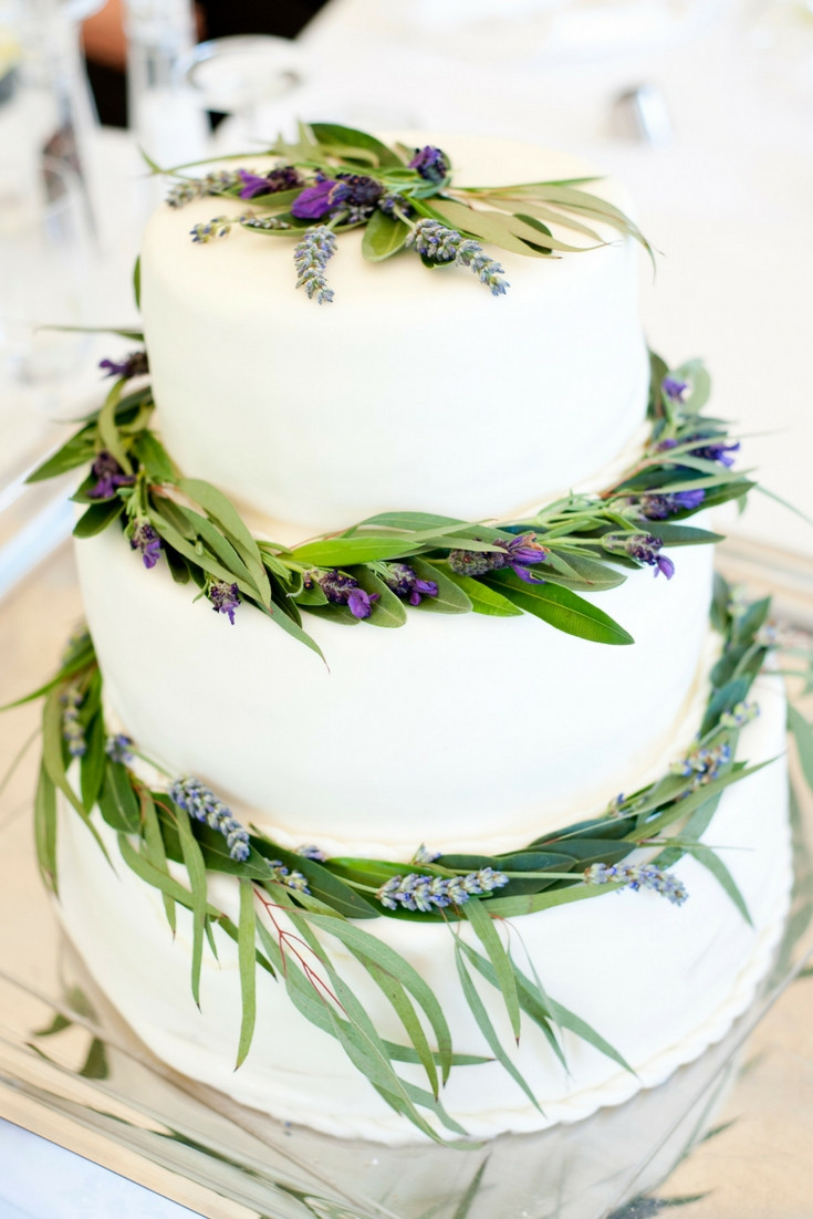 Lavender and olive tree leaves wedding cake - Our Italian Fairytale