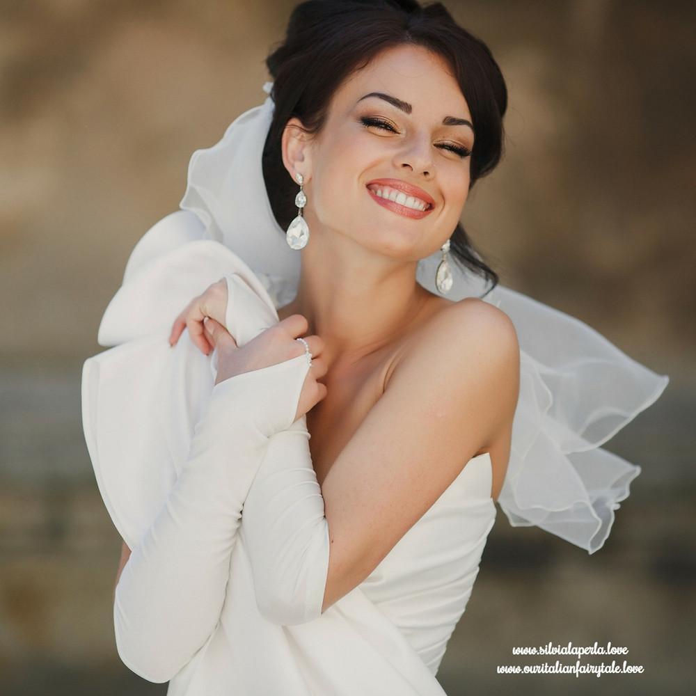 Silvia La Perla | Bride Wearing Earrings | Our Italian Fairytalee