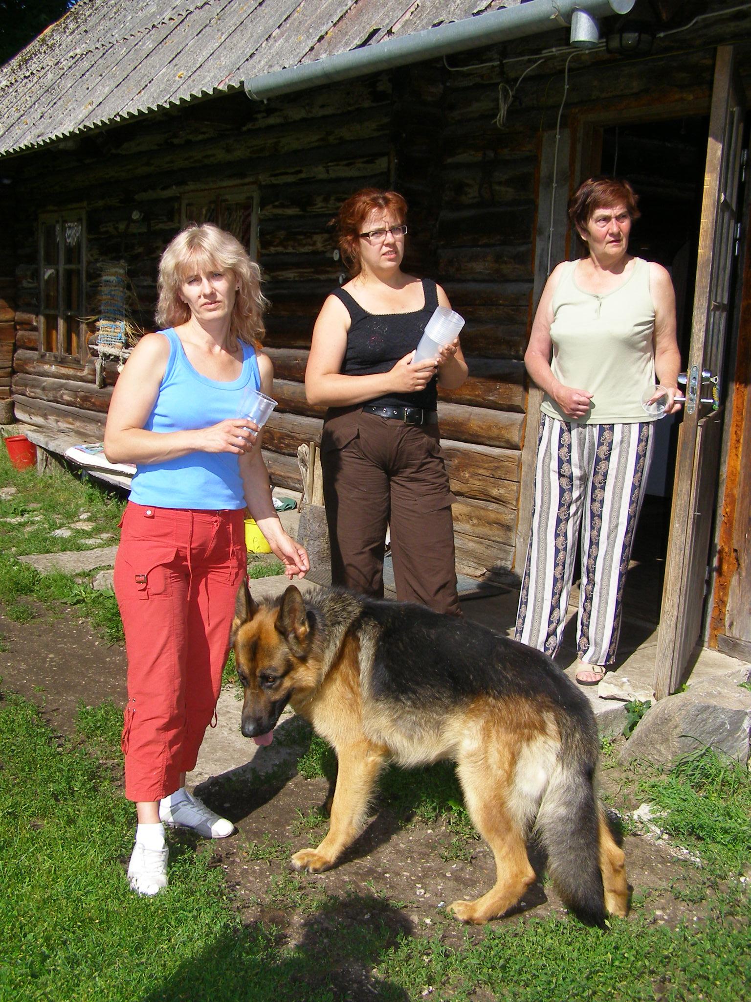 Hele_Päll,_Svetlana_Reinemts,_Lea_Põlluste_ja_Fabian.JPG