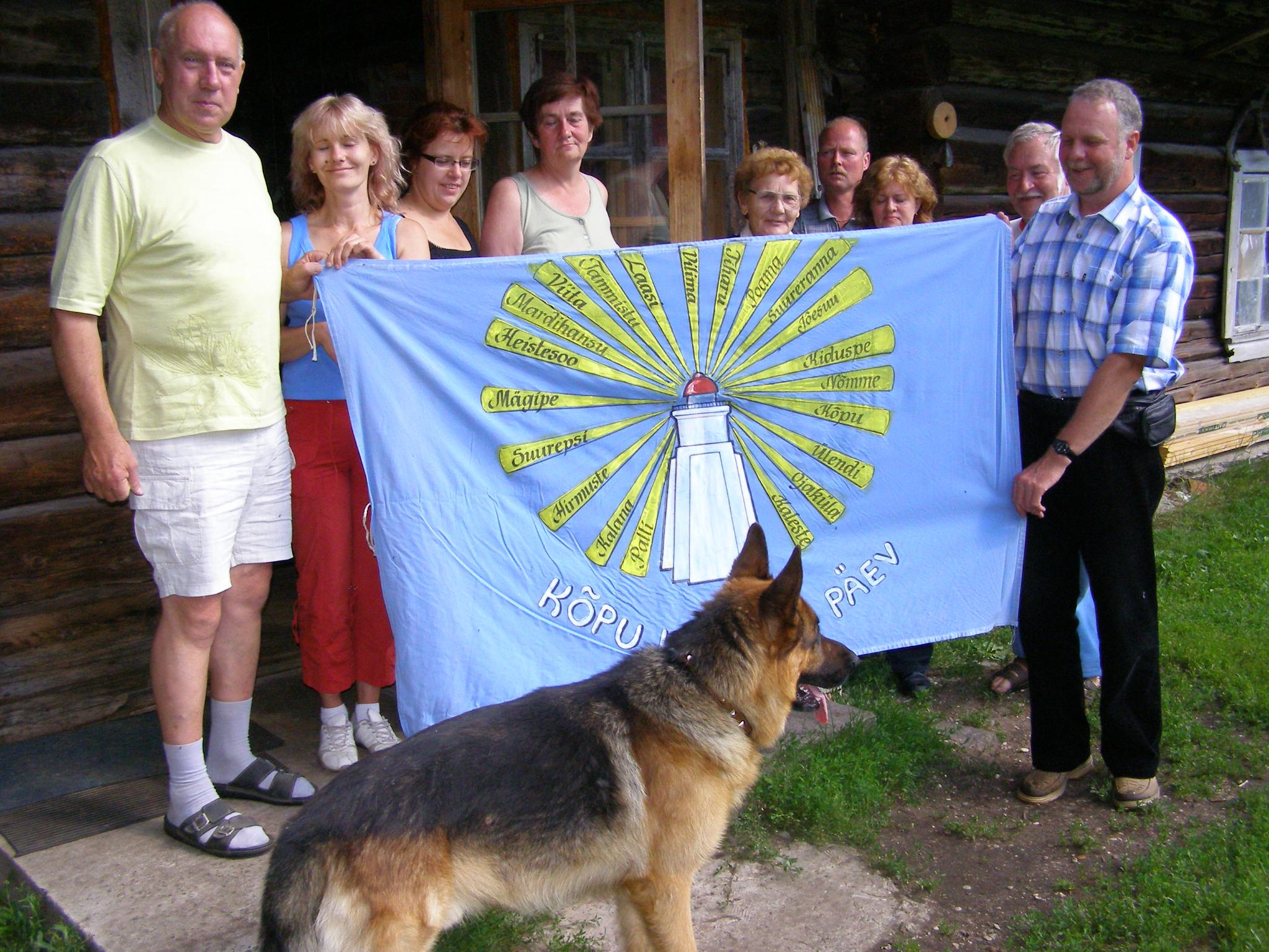 Külade lipp on üle antud.JPG