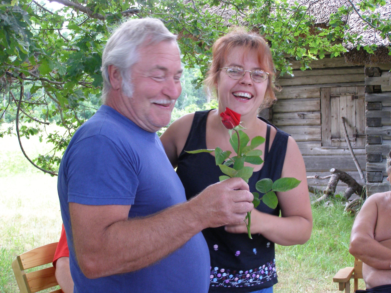 Külavanemat_õnnitleb_Svetlana_Reinmets.JPG