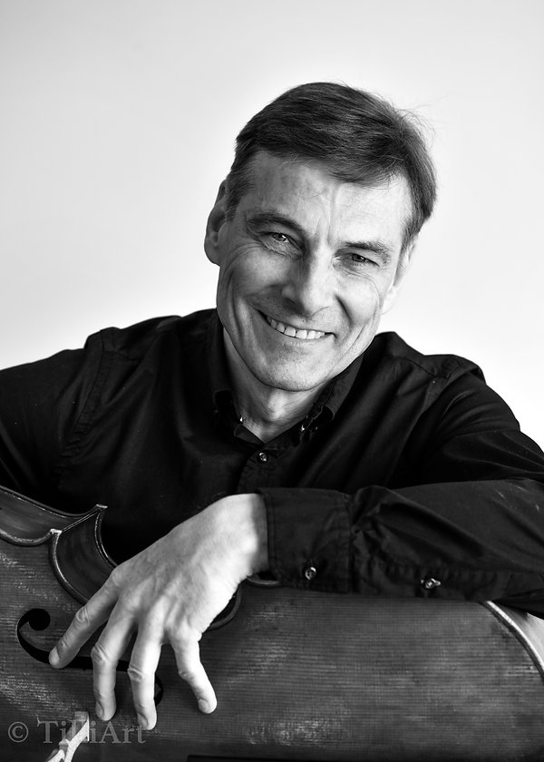 Tilmann Wick, Hannover, Cellist, Professor, mastercalss Tignes, Portait, Hmtmh, Cello, Classical Music