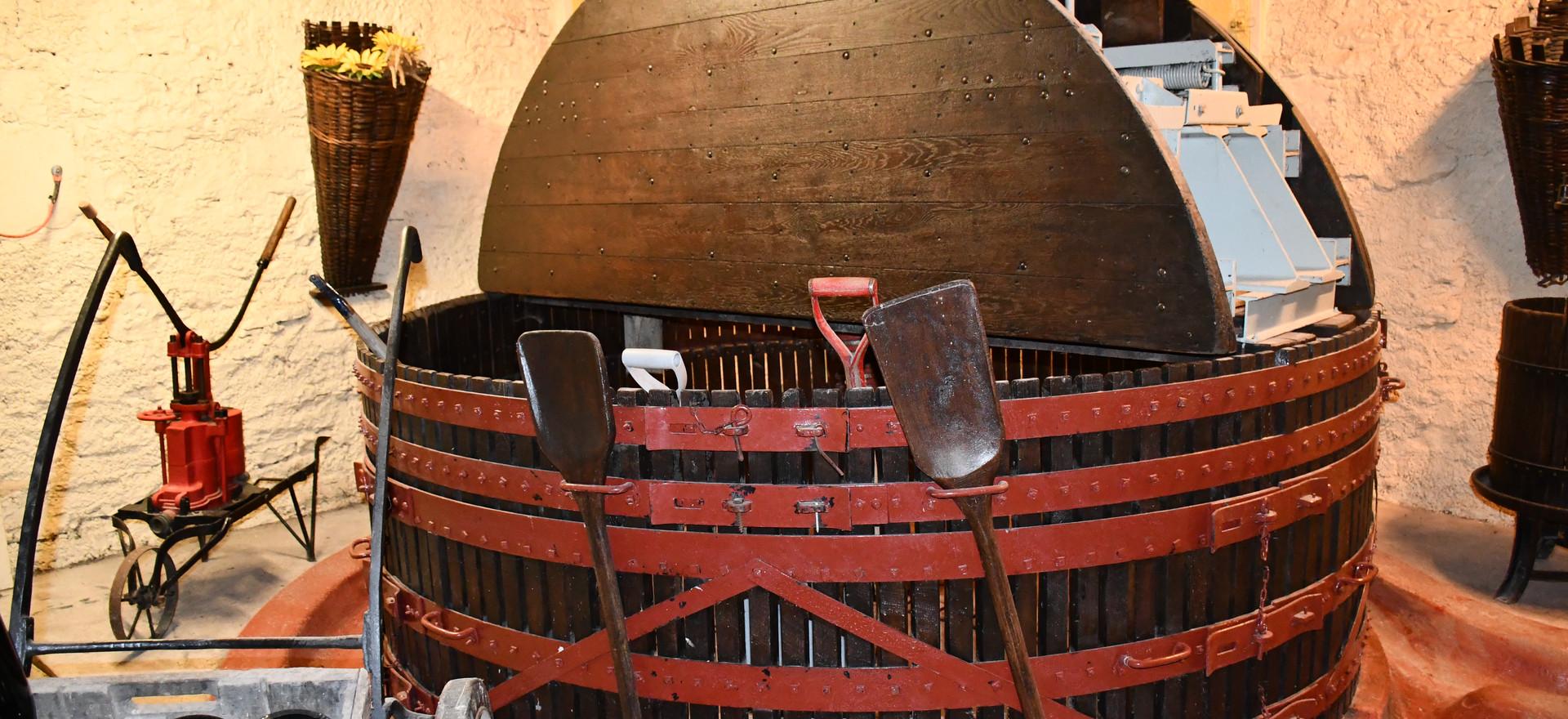 Historische Traubenpresse