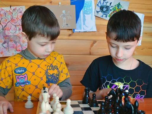 Los mejores juegos de mesa para niños con autismo y sus beneficios