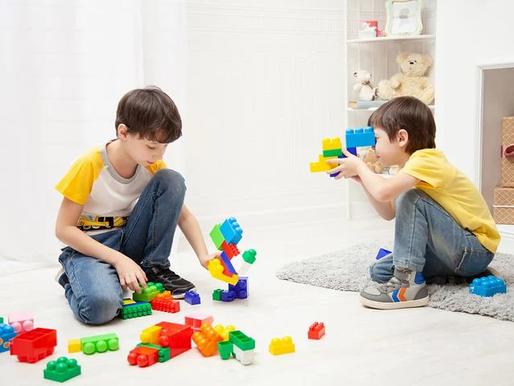 Las mejores formas de utilizar los bloques de Lego para el juego intencionado con el autismo