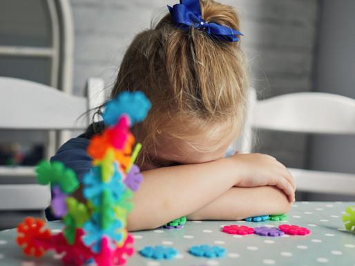 El insomnio de los niños autistas se relacionan con problemas de regulación de la conducta