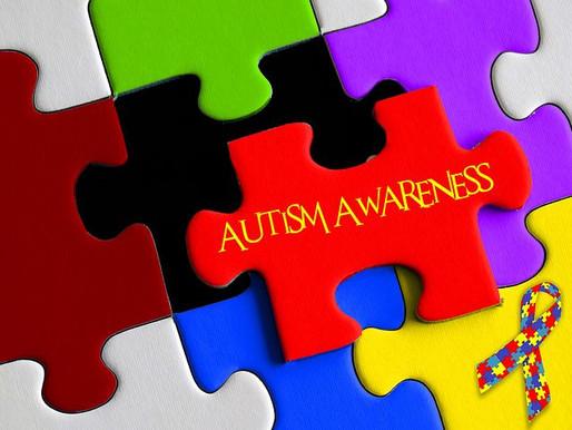 Un hombre polifacético con autismo difunde la esperanza y la concienciación