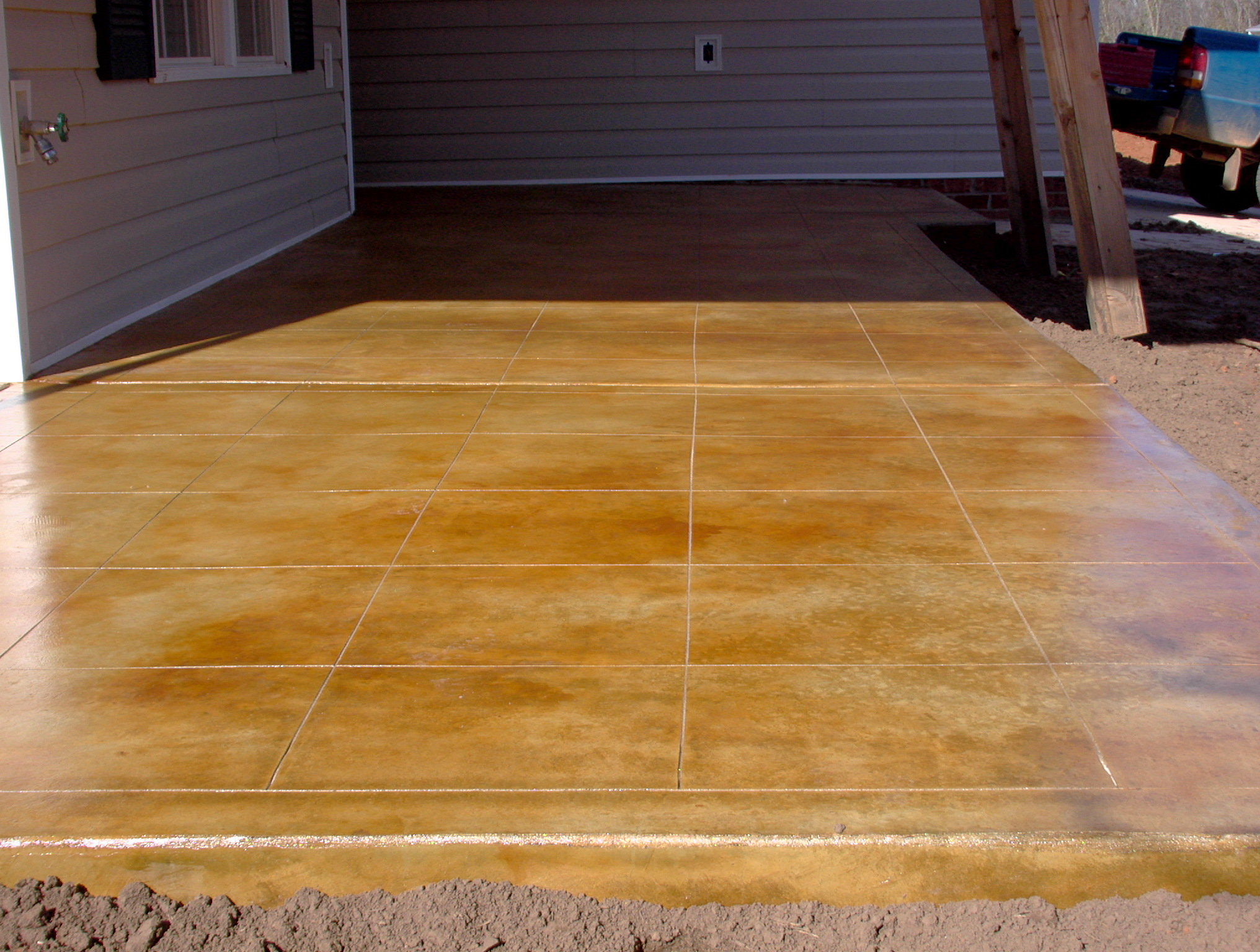 Tan acid stained patio