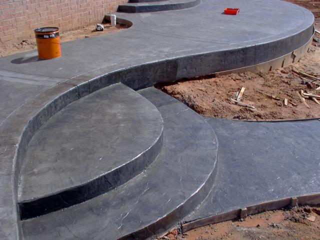 Color sealed concrete