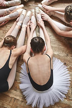 Ballerinas Stretching