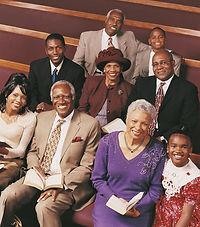 Famille dans l'église