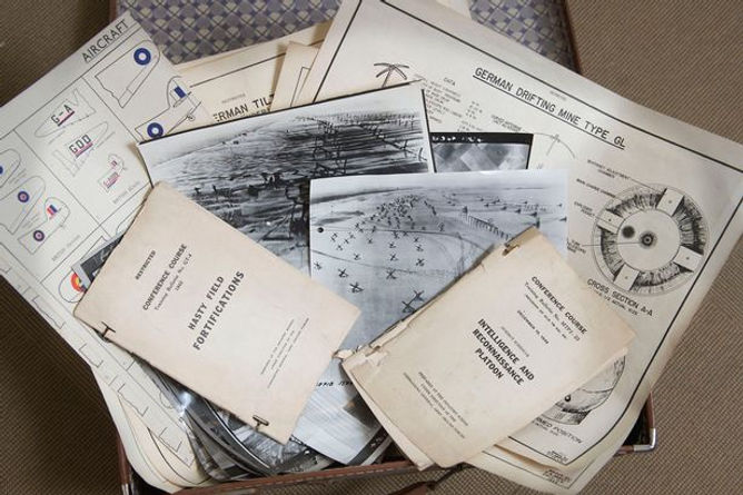 PAY-top-secret-documents-and-photos-of-t