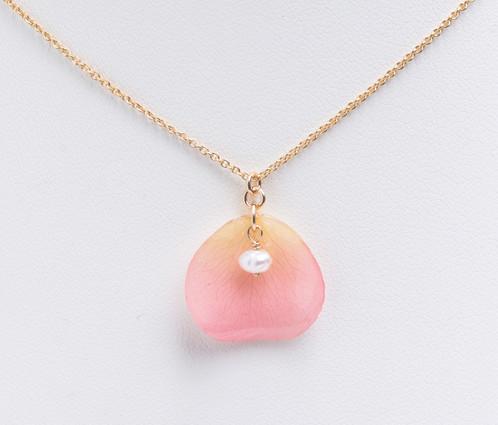 Pale pink rose petal 14ct gold filled necklace iida jewellery i pale pink rose petal 14ct gold filled necklace audiocablefo