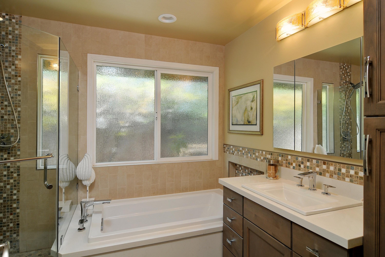 029_Bathroom (2)