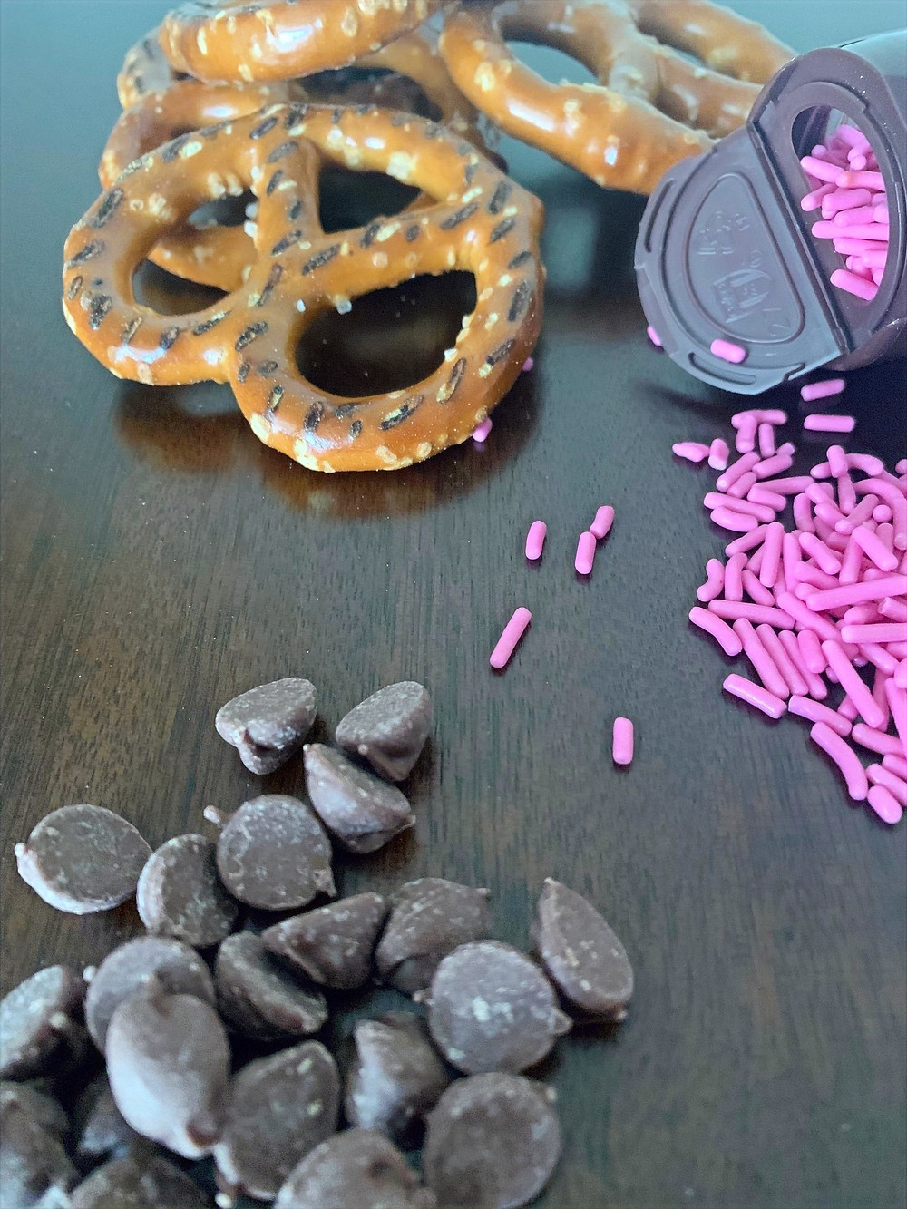 Ingredients: Pretzels, chocolate chips and sprinkles