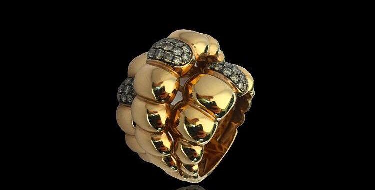 Rounded Band Diamonds Ring
