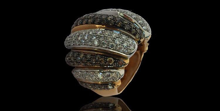 Rounded White&Brown Diamonds Ring