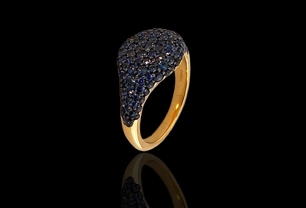 Round Chevalier Ring - Blue Sapphire