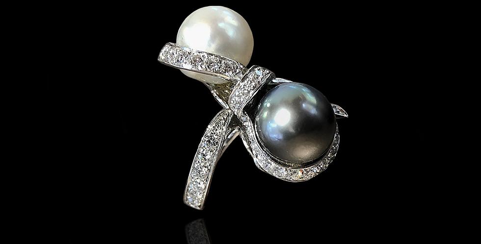 Bow Diamond Pearl Ring