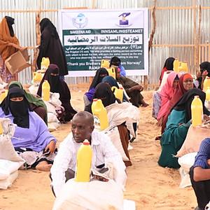 Food packs poor people - Somalia