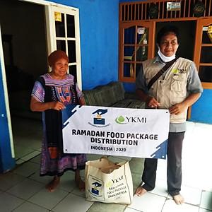 Utdeling av ramadanpakker dag1