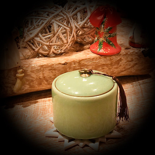 Essential Oil Scented Candles (250 ml)