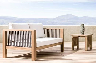 Outdoor patio dual seater made of iroko