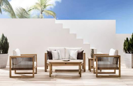 Outdoor patio lougne set made of iroko