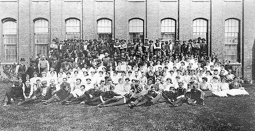 Bleachery-workers-1906.jpg