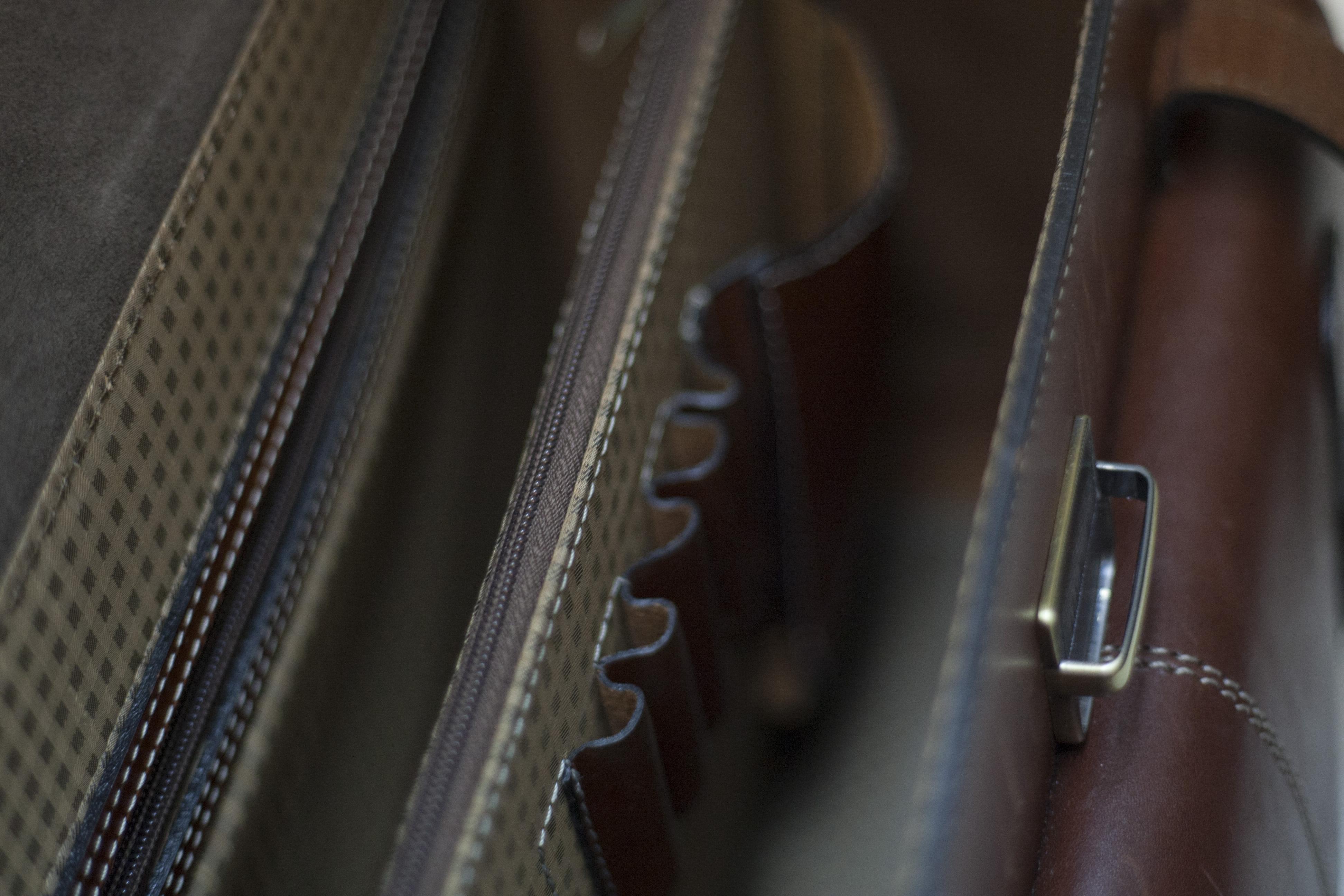 купить дорожную кожаную сумку кофр