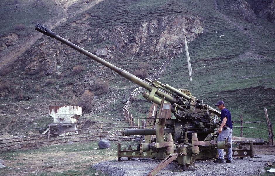Kriegsschrott am Albrus