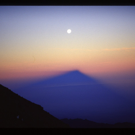Die Sonne verabschiedet den Mond