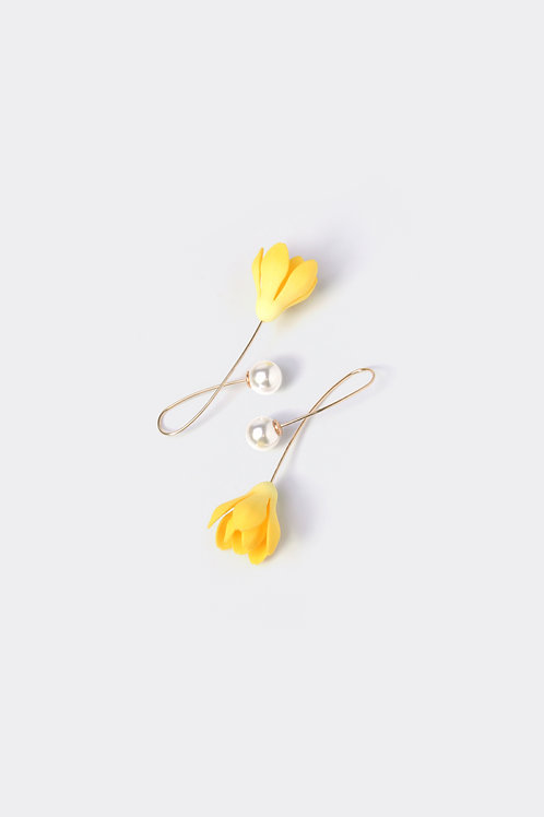 Floral Earring (Magnolia)