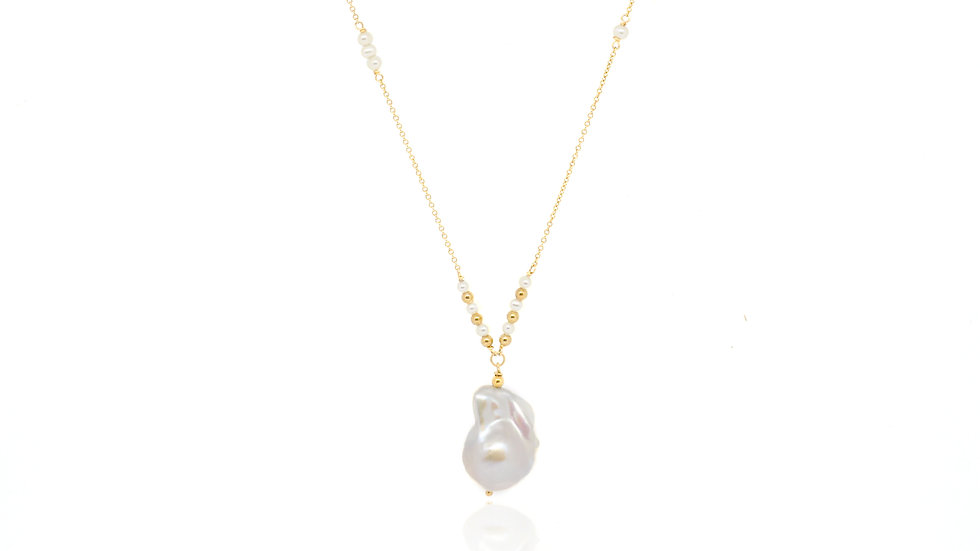 Baroque pearl long chain