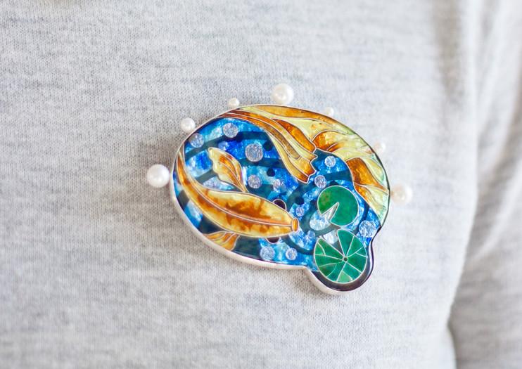 koi fish brooch2.jpg