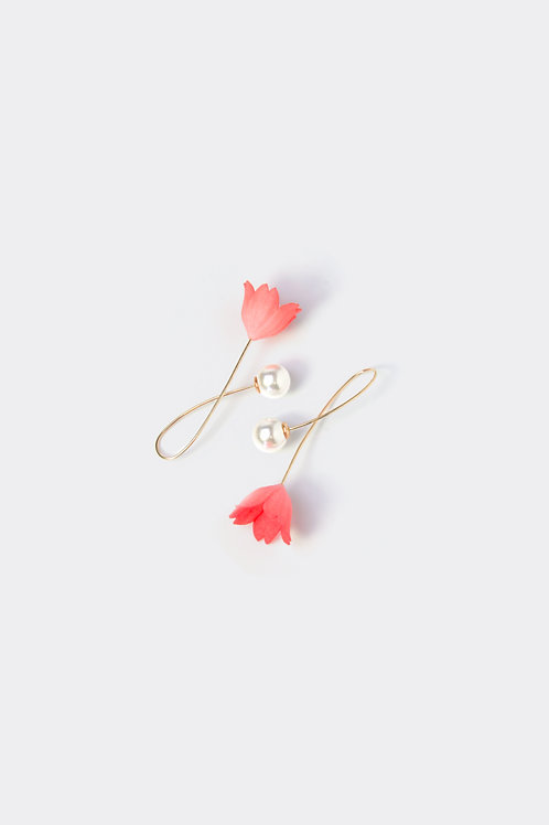 Floral Earring (cherry)