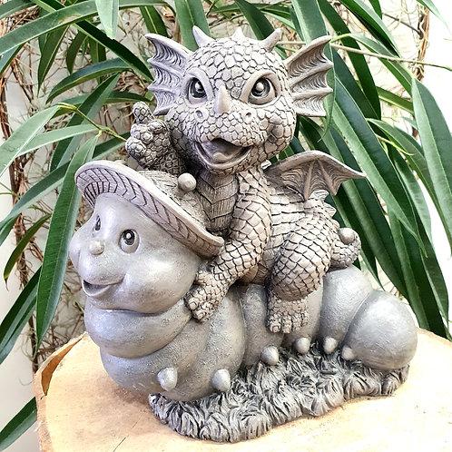 Dragon de jardin Piotr sur sa chenille
