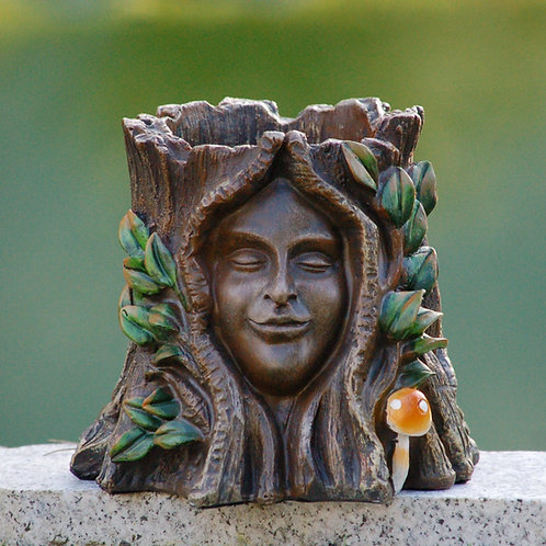 Oak Goddess, Plant Pot