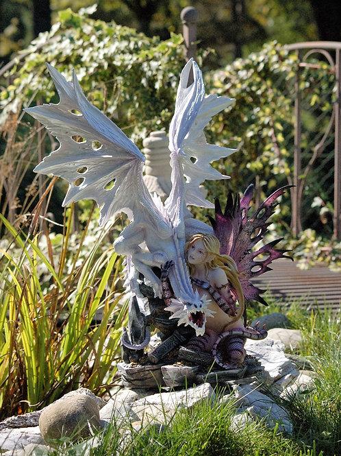 Lamia et son dragon blanc
