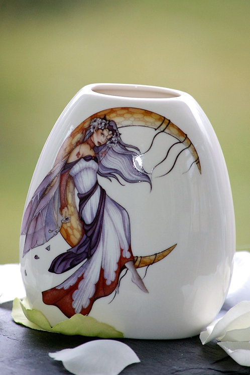 Vase Moon Dreaming